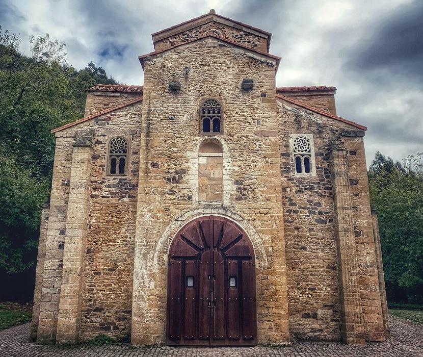 Frontal de San Miguel de Lillo